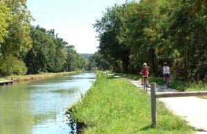 Balade à vélo le long du canal